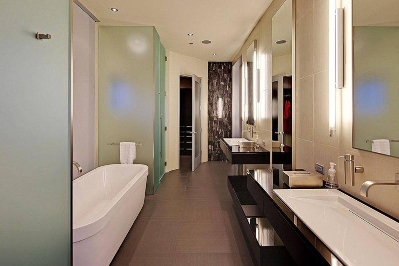 banheiro de casa de luxo