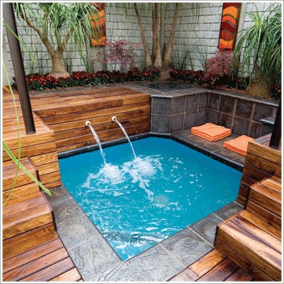 50 modelos piscina pequena para inspirar sua reforma ou for Small hot tubs for small spaces