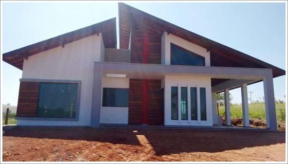 Fachada frontal da Casa Porto Velho construído com modificações